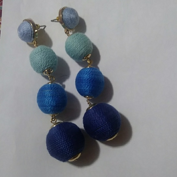 unknown Jewelry - 4 tier ball earrings